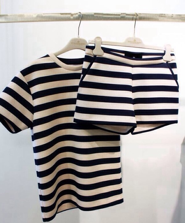 shirt black white stripes tailoring shorts top t-shirt stripes shorts set cute short set matching set two-piece two-piece shirt and pants black and white pants outfit