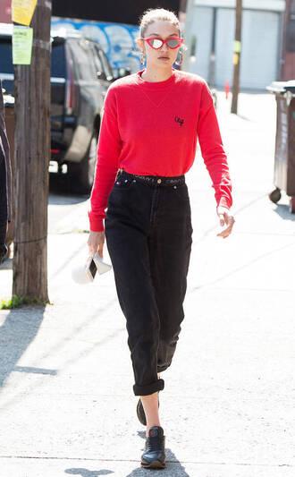sweater streetstyle model off-duty red sweater gigi hadid sunglasses