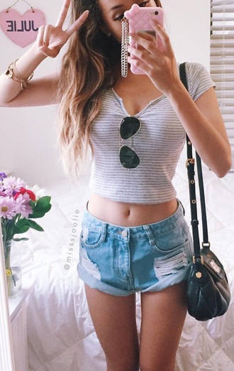 shorts ripped shorts jeans acid wash denim classy girl pale indie denim shorts fashion top