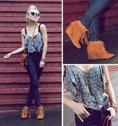 blouse,jeans,indian boots,indian,shoes,suede shoes,tassel,brown shoes,fringes,wedges,moccasins,lace up,ankle boots,shirt