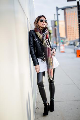pam hetlinger the girl from panama blogger leather leggings tartan scarf black leather jacket