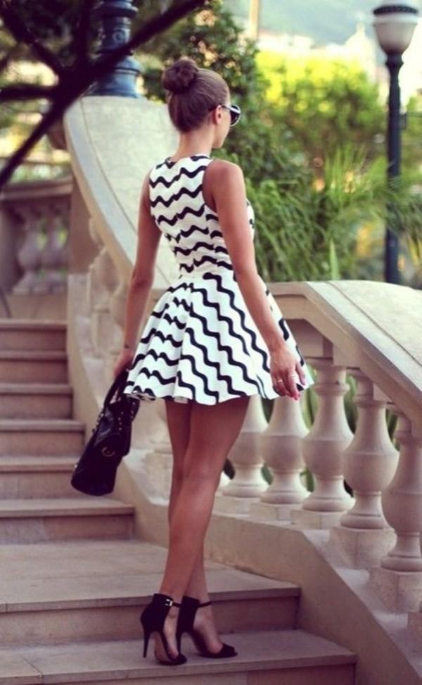 dress dr black white black and white zigzag zigwhite zigzagging zig zag alins aline stripes
