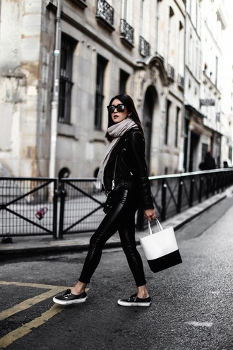 her imajination blogger top pants scarf bag sunglasses shoes black leather jacket spring outfits black pants skinny pants handbag sneakers
