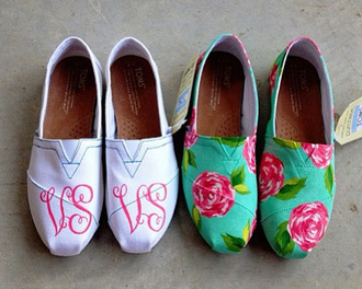 shoes floral flowers toms roses