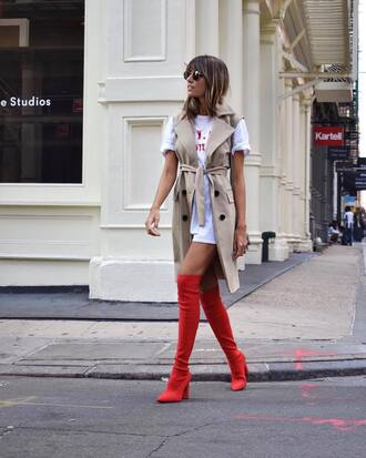 shoes boots red boots over the knee vest t-shirt white t-shirt