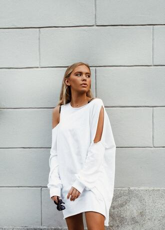 dress missguided sweater sweater dress oversized sweater white dress cut out shoulder fall outfits