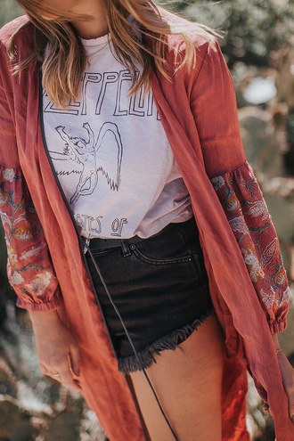 t-shirt black shorts tumblr white t-shirt logo tee kimono shorts denim denim shorts