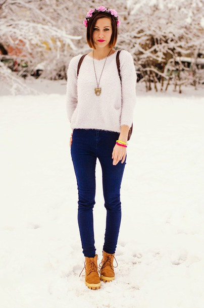 beauty insanity blogger jeans flower crown fuzzy sweater shoes sweater
