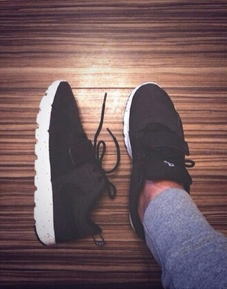 shoes black nike running shoes sneakers summer fashion cool adidas white cute hot guys menswear teen tumblr