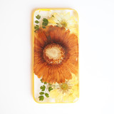 FREE SHIPPING - The Humongous Vintage Daisy pressed flower bumper phone case