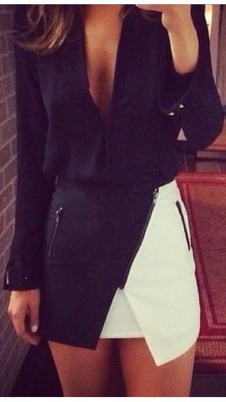 skirt black and white skirt black and white monochrome blouse symmetrical skirt white fold over shirt black v neck plunge neckline