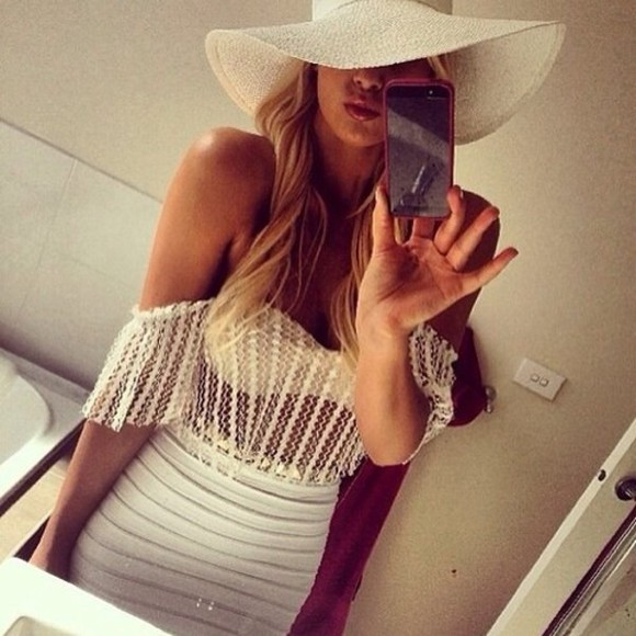 white hat hat skirt