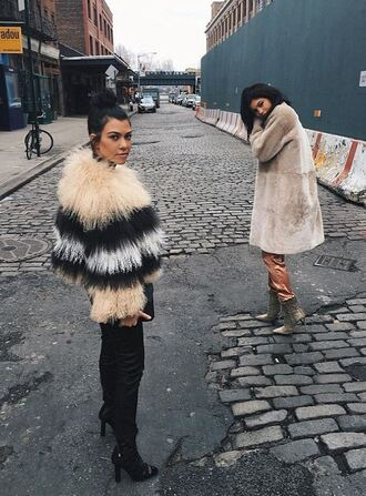 coat kylie jenner fur fur coat kourtney kardashian instagram jacket kendall and kylie jenner kendall jenner pink white tumblr tumblr clothes tumblr outfit