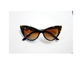 sunglasses style cat eye