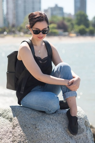 coco and vera blogger top jeans shoes sunglasses jewels