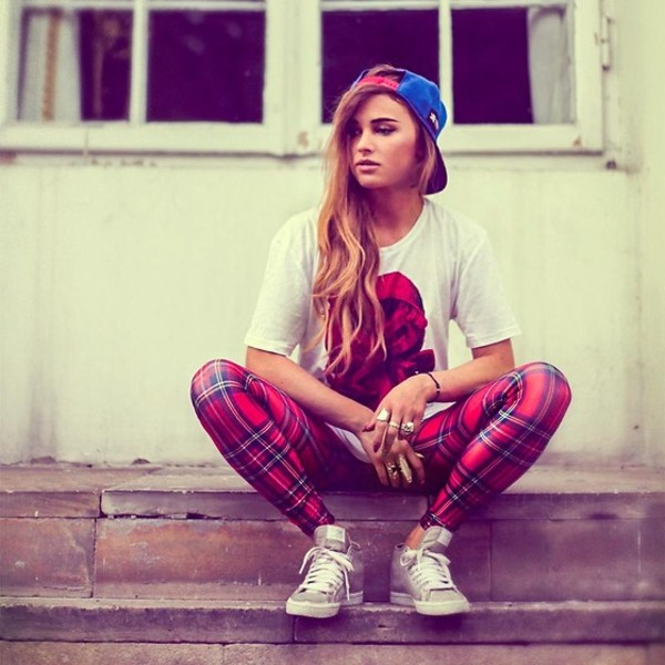 pants checkered shoes t-shirt