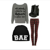 sweater,harry potter,combat boots,black boots,boots,skinny jeans,jeans,punk,awesomness,shoes