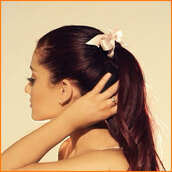 bow,hair,coral,semi formal,formal,ariana grande,ponytail,hat