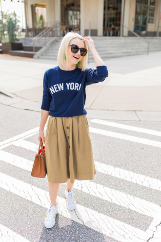 skirt midi skirt sweater slogan sweater white sneakers blogger blogger style handbag