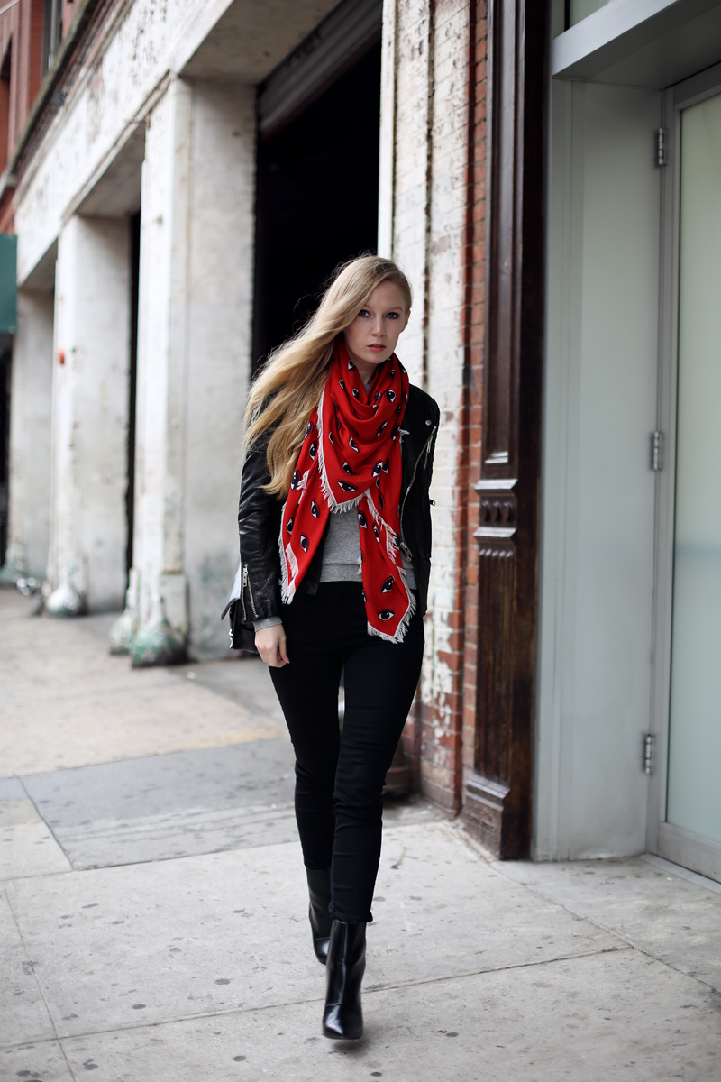 Kenzo eye scarf | Fashion Squad