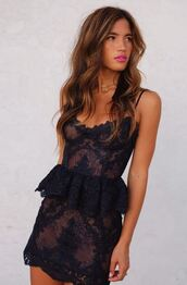 dress,lace dress,lace,little black dress,rocky barnes,instagram,mini dress,blogger