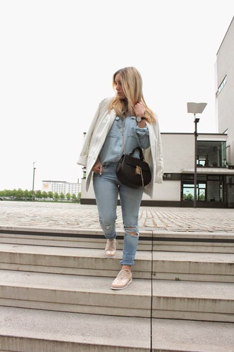 fashion twinstinct blogger blouse jeans jacket bag shoes jewels sunglasses