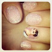 nail polish,nails,pink,gorgeous,decal,audrey hepburn