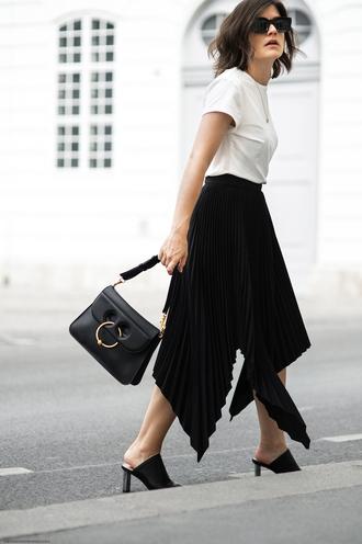 viennawedekind blogger skirt t-shirt shirt jewels bag black skirt black bag pleated skirt mules summer outfits