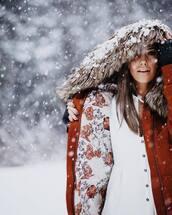 coat,tumblr,brown coat,rust,fur hood,shirt,white shirt,winter outfits,winter look,hooded winter coat