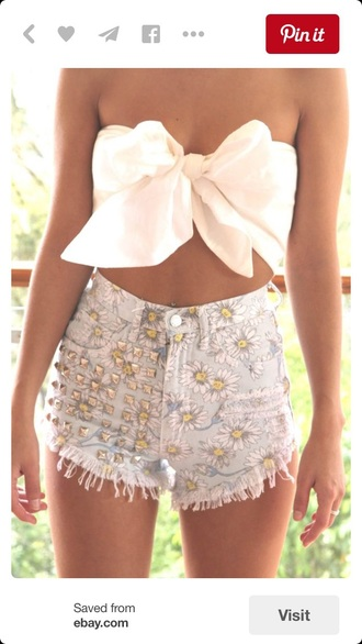 top bow top bow bandeau white top white crop tops crop tops crop summer top summer shorts high waisted shorts daisy flowers denim shorts cut offs cut off shorts cute top shorts