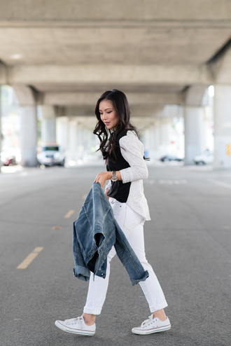 casual blogger top the fancy pants report converse white jeans denim jacket