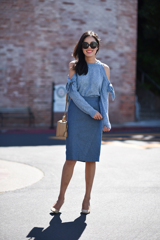 sweater grey sweater tumblr work outfits office outfits skirt midi skirt grey skirt pencil skirt pumps shoes