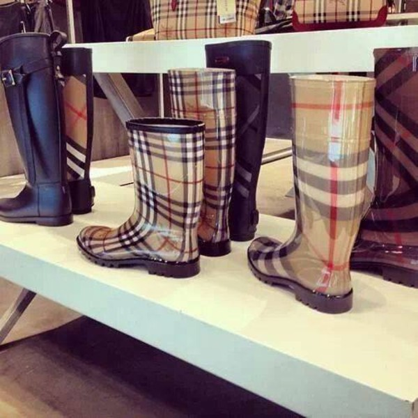 shoes boots burberry prada fashion
