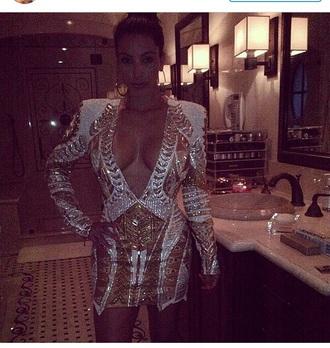 dress kim kardashian kardashians keeping up with the kardashians outfit long sleeves long sleeve dress glitter dress glitter gold sequins gold dress style silver