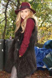 jacket,fur,sleeveless,vest,black,elle macpherson,faux fur