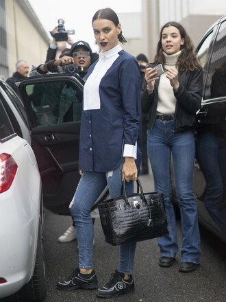 shirt irina shayk model off-duty jeans streetstyle fashion week 2016 milan fashion week 2016 purse