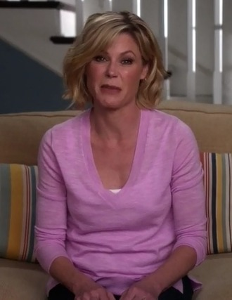 sweater claire dunphy modern family julie bowen pink v neck casual