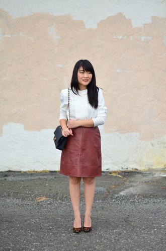 daily disguise blogger shirt skirt shoes fall outfits chanel bag pumps
