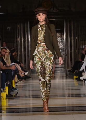 blouse top crop tops jacket pants fall outfits print runway fashion week 2016 london fashion week 2016