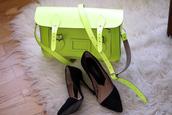 medium heels,shoes,bag