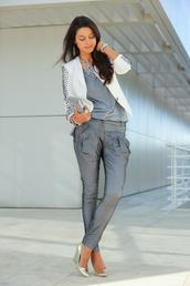 pants,gray pants,blouse,jacket,jewels,shoes