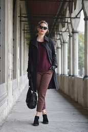 ag on i ya,blogger,bag,printed pants,winter outfits,cropped pants,gloves,winter coat,burgundy sweater,coat,shoes,pants