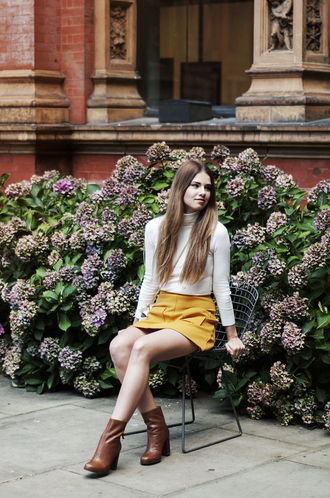 skinny liar blogger skirt fall skirt brown leather boots thanksgiving mini skirt and ankle boots yellow skirt turtleneck long sleeves fall colors fall outfits white turtleneck top