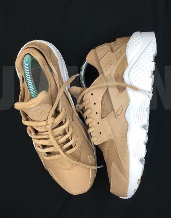 Nike Air Huarache Womens Size 5