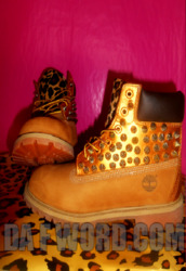 shoes,timberlands,gold,leopard print,spike,tan,spike timberland boots