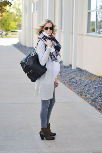straight a style blogger bag jeans t-shirt cardigan shoes scarf sunglasses maternity backpack tartan scarf grey jeans ankle boots