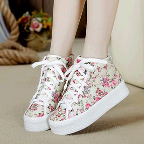 Aliexpress.com : Buy High Flat Platform Casual Comfortable Canvas Floral Women Sneaker Fashion Vintage Flower Sneakers Shoes For Women Black Beige from Reliable sneakers shoes women suppliers on Lucky Moon Group.