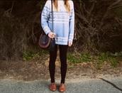 sweater,clothes,girl,tumblr,blue sweater,cute,love,oxfords,oversized sweater,hipster,t-shirt,shirt,boots,bag,bleu,white,light blue,fluffy
