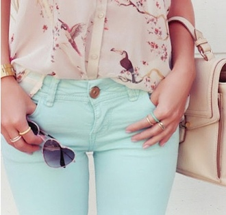 blouse summer summer top pastel pink birds top birds bird bird top flying birds jeans denim blue turquoise turquoise jeans jewels gold gold rings gold jewelry sunglasses heart sunglasses heart bag beige