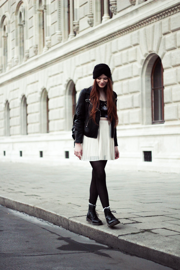 a pretty pass t-shirt skirt jacket shoes